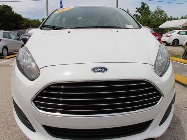 2014 Ford Fiesta 4D Sedan - 154523 - Image #2