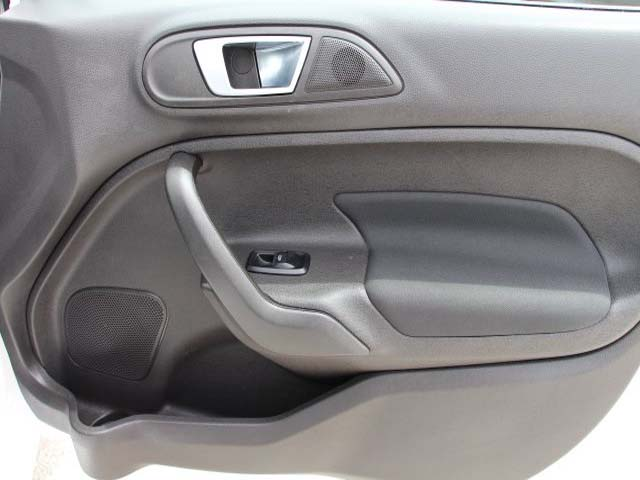 2014 Ford Fiesta 4D Sedan - 154523 - Image #23