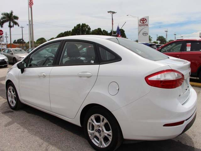 2014 Ford Fiesta 4D Sedan - 154523 - Image #5