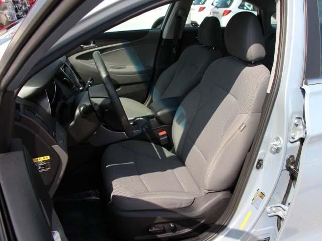 2015 Hyundai Sonata 4D Sedan - 744117 - Image #11