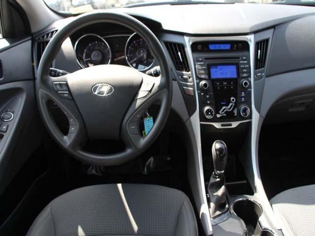 2015 Hyundai Sonata 4D Sedan - 744117 - Image #19