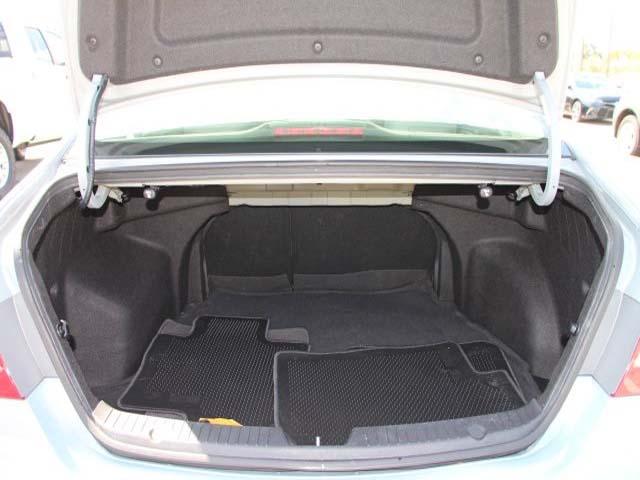 2013 Hyundai Sonata - Image 20