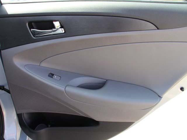 2013 Hyundai Sonata 4D Sedan - 131144 - Image #22