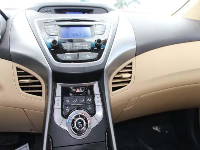 2013 Hyundai Elantra - Image 12