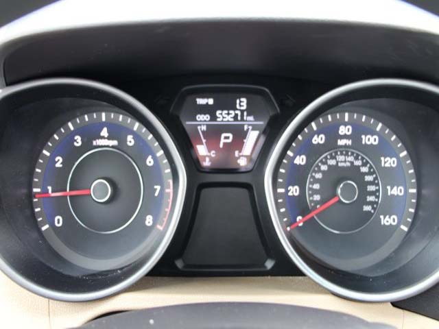 2013 Hyundai Elantra - Image 13