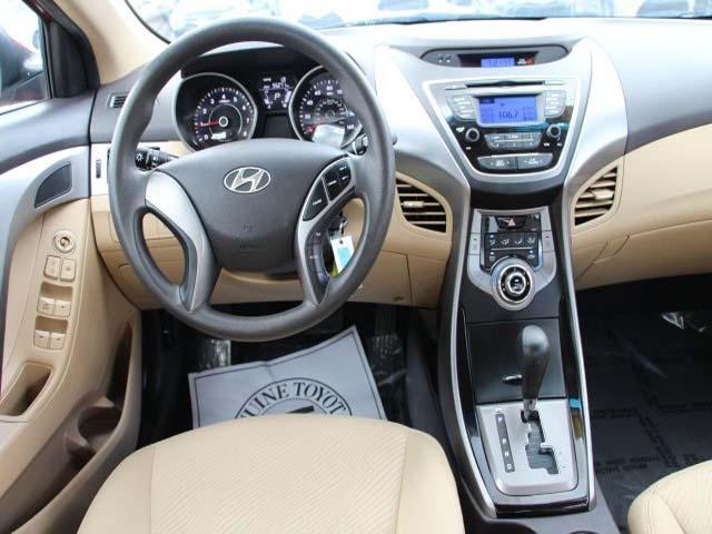 2013 Hyundai Elantra - Image 16