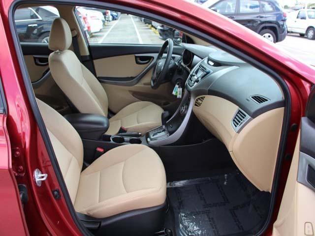 2013 Hyundai Elantra - Image 22