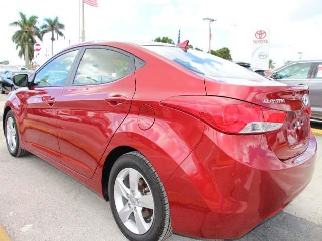 2013 Hyundai Elantra - Image 4