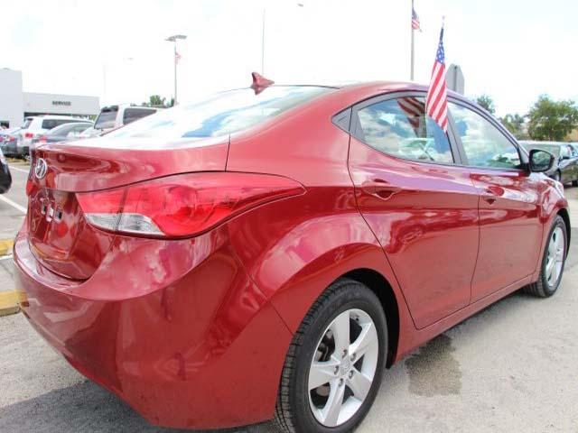 2013 Hyundai Elantra - Image 6