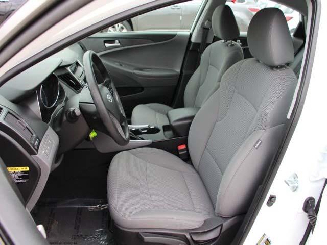 2014 Hyundai Sonata - Image 10