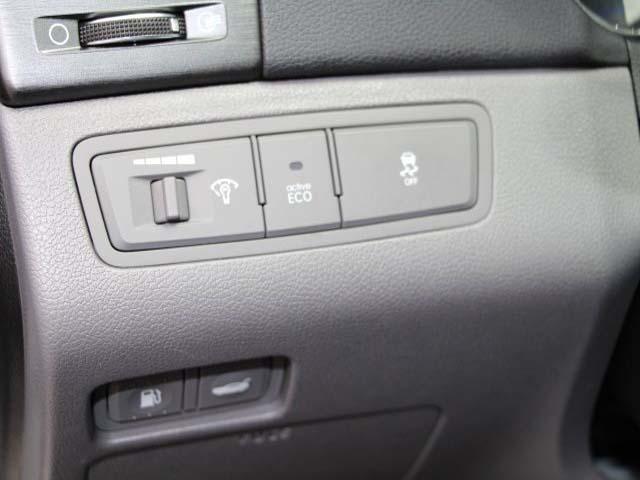 2014 Hyundai Sonata - Image 11
