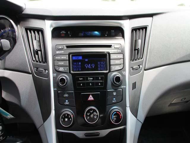 2014 Hyundai Sonata - Image 14
