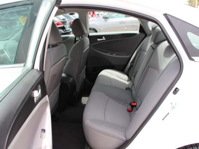 2014 Hyundai Sonata  4D Sedan  - 859082 - Image #18