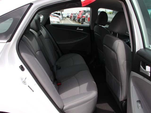 2014 Hyundai Sonata  4D Sedan  - 859082 - Image #23