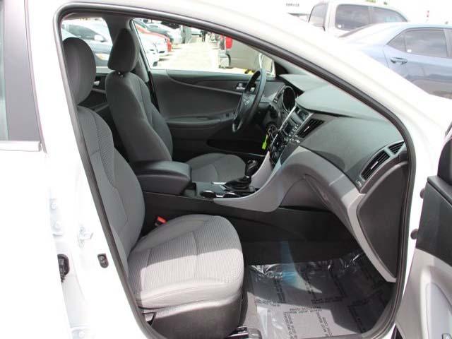 2014 Hyundai Sonata  4D Sedan  - 859082 - Image #25