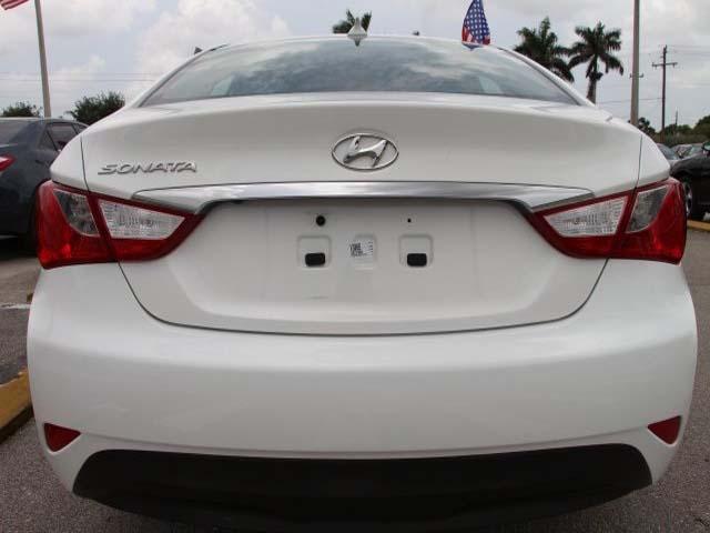 2014 Hyundai Sonata  4D Sedan  - 859082 - Image #6