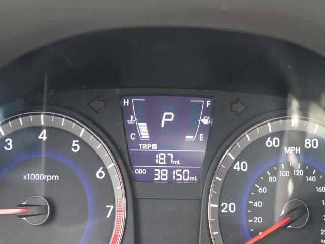 2014 Hyundai Accent - Image 13