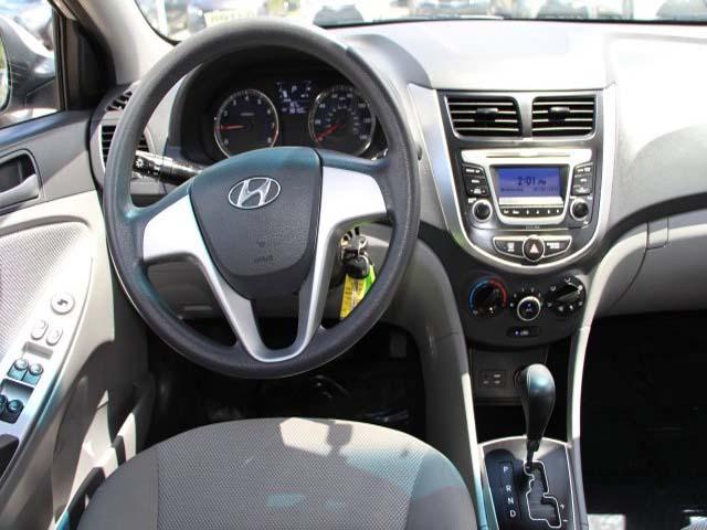 2014 Hyundai Accent - Image 16