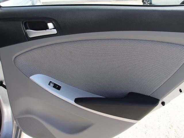 2014 Hyundai Accent - Image 19