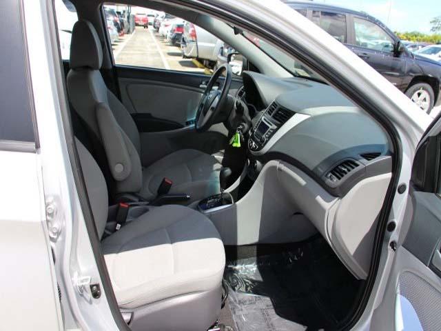 2014 Hyundai Accent - Image 22