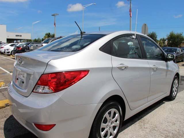 2014 Hyundai Accent - Image 6