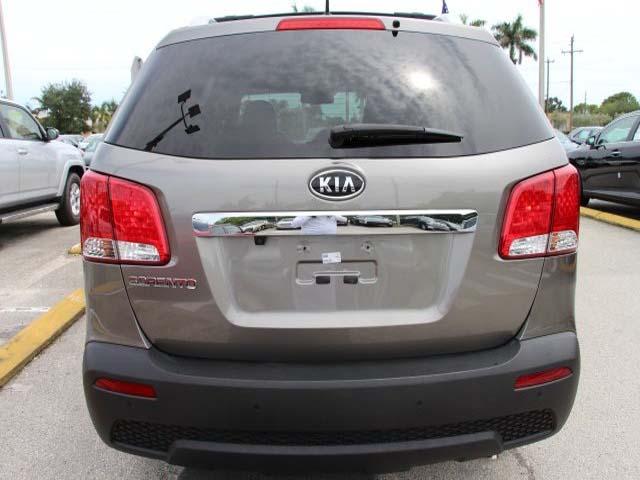 2013 Kia Sorento  4D Sport Utility  - 344415 - Image #6