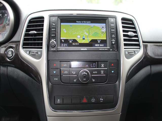 2013 Jeep Grand Cherokee - Image 12