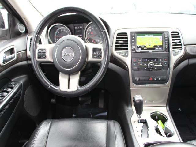 2013 Jeep Grand Cherokee - Image 18