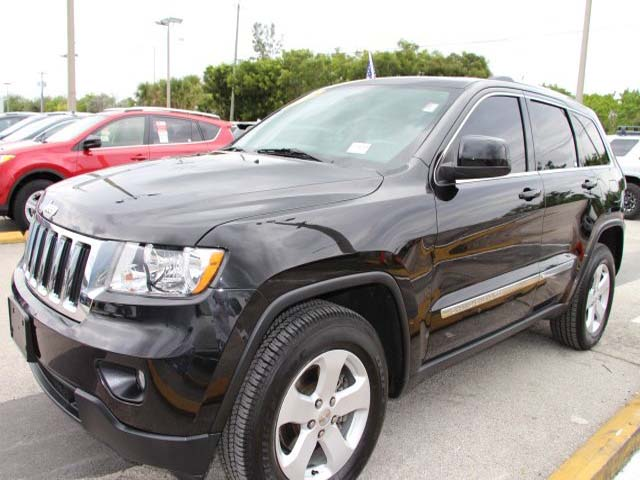 2013 Jeep Grand Cherokee - Image 2