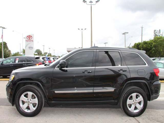 2013 Jeep Grand Cherokee - Image 3
